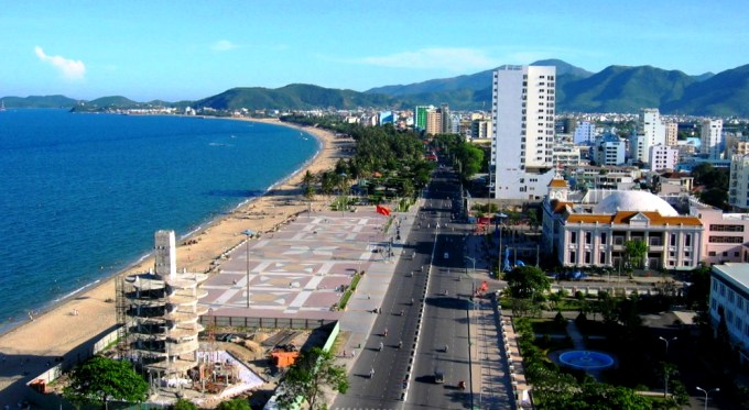 Нячанг городской пляж (Чан Фу)