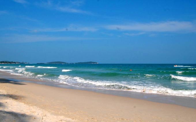 Белый песок на пляже Чавенг, Самуи