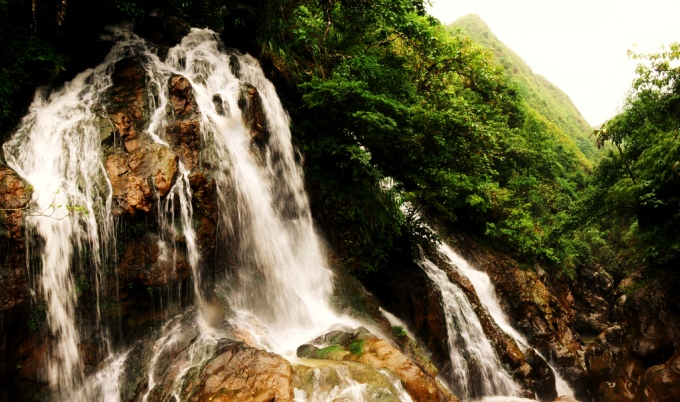 Водопады Нячанга, Вьетнам