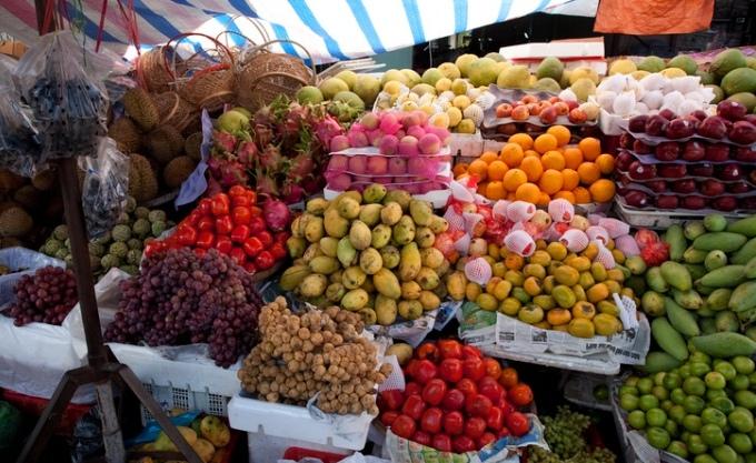 Цены на Овощи и фрукты на рынке Нячанга