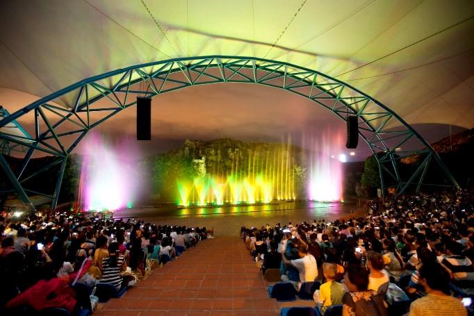 Парк развлечений Винперл шоу фонтанов