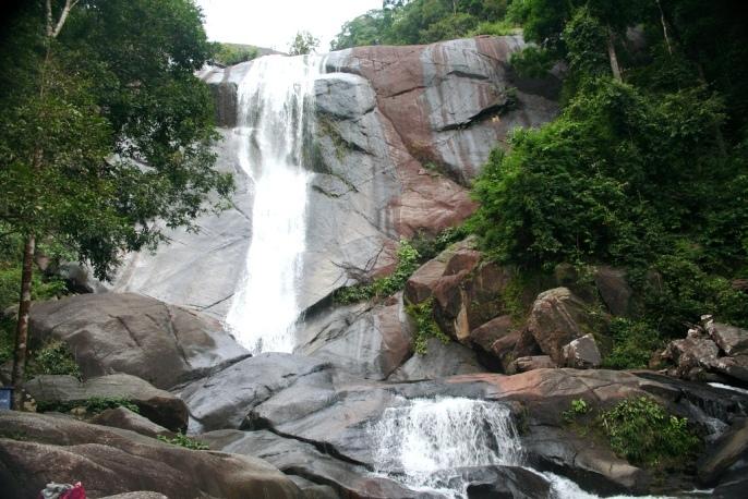 Малайзия Лангкави Водопады Семь колодцев
