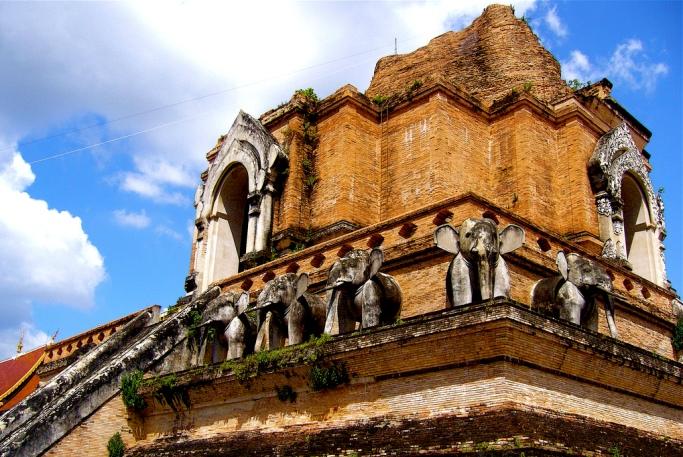 Храм Чеди Луанг Чиангмай