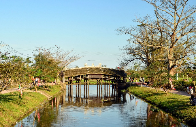 Крытый мост Thanh Toan Bridge