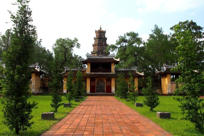 Достопримечательности Хюэ - пагода Тхиен Му