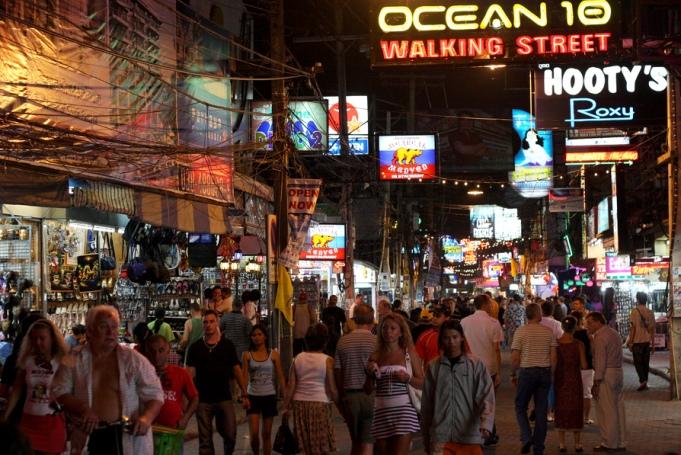 Знаменитая Walking Street в Паттайе