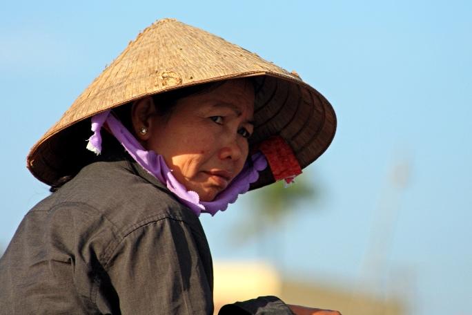Соломенная шляпа - отличный сувенир из Вьетнама
