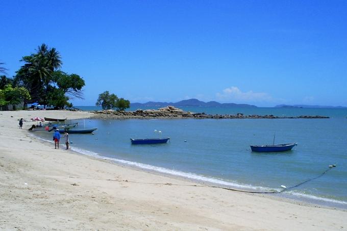 Море у пляжа Наклуа в Паттайе