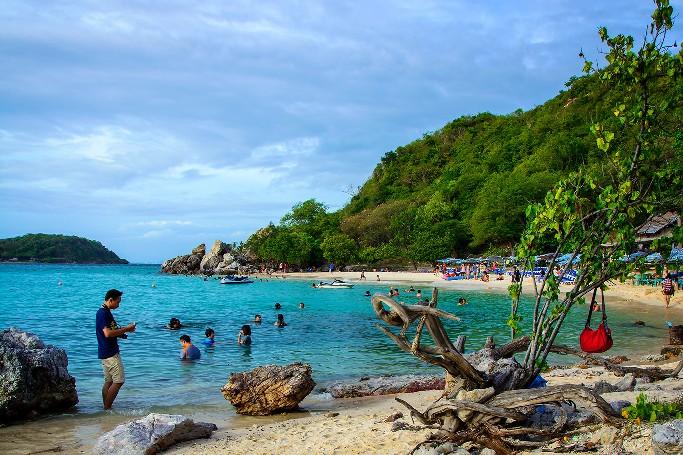 Пляж Тай Яй на острове Ко Лан - один из лучших