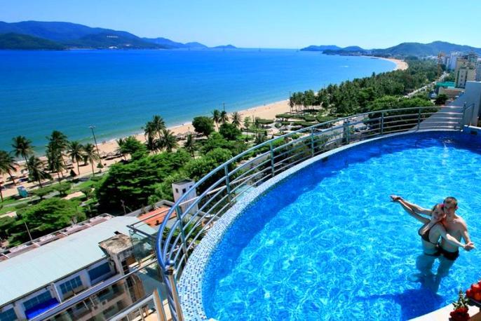 Отель Prime Hotel в Нячанге – с бассейном и видом на море