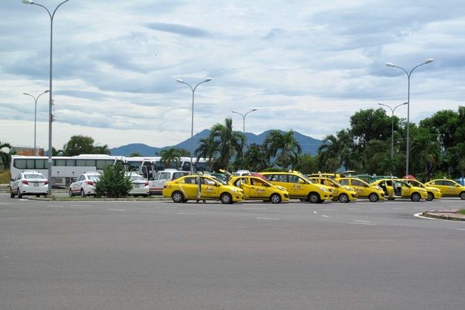 Стоянка такси в аэропорту Камрань, Нячанг