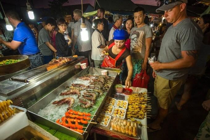 Ночной рынок в Таиланде (Пхукет)