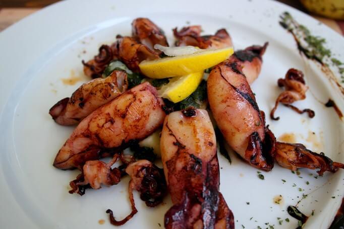 Сколько стоят морепродукты в кафе Черногории 2016