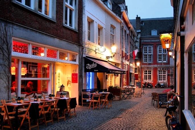 Куда поехать на Новый год недорого Амстердам