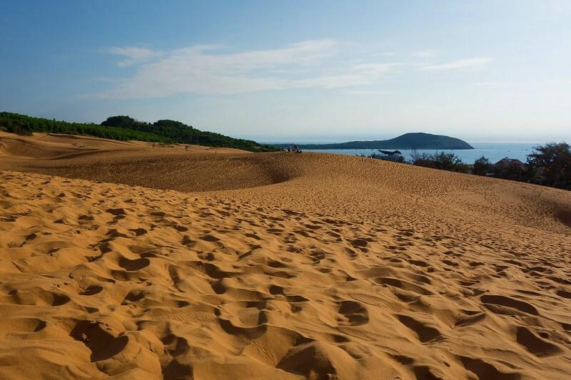 Вид с красных дюн на Южно-Китайское море