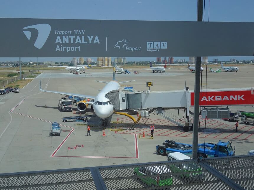 Как добраться из аэропорта Антальи на курорты Турции